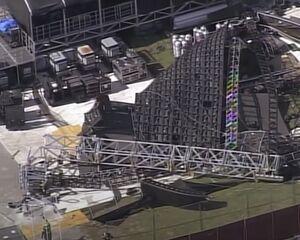 Un enorme video wall se derrumba un día antes del festival de música
