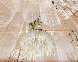 23 ideas de candelabros de flores para decorar tu lugar